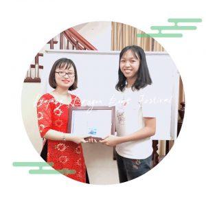 Trao thưởng học viên có thành tích tốt